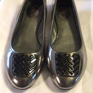 Cole Haan/NikeAir shiny silver slip on flats, 7.5B